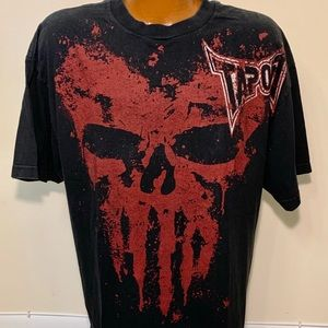Vintage TAPOUT Punisher Skull T-shirt. Size XL